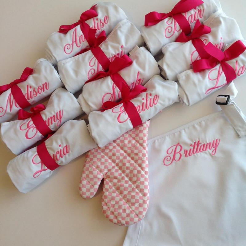 aprons-as-party-favors